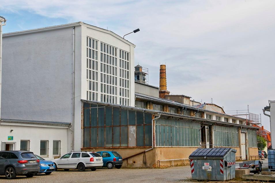 Wo zu DDR-Zeiten in Zittau die Fahrerhauskabinen für die Robur-Lkw gebaut wurden, hat jetzt das Unternehmen Baumdienst Harazin seinen Sitz.