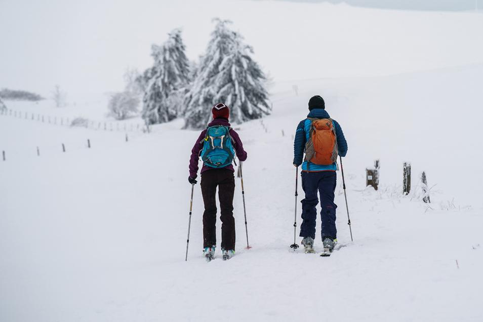 Ein Skiwanderer ist in den Alpen 50 Meter abgestürzt.