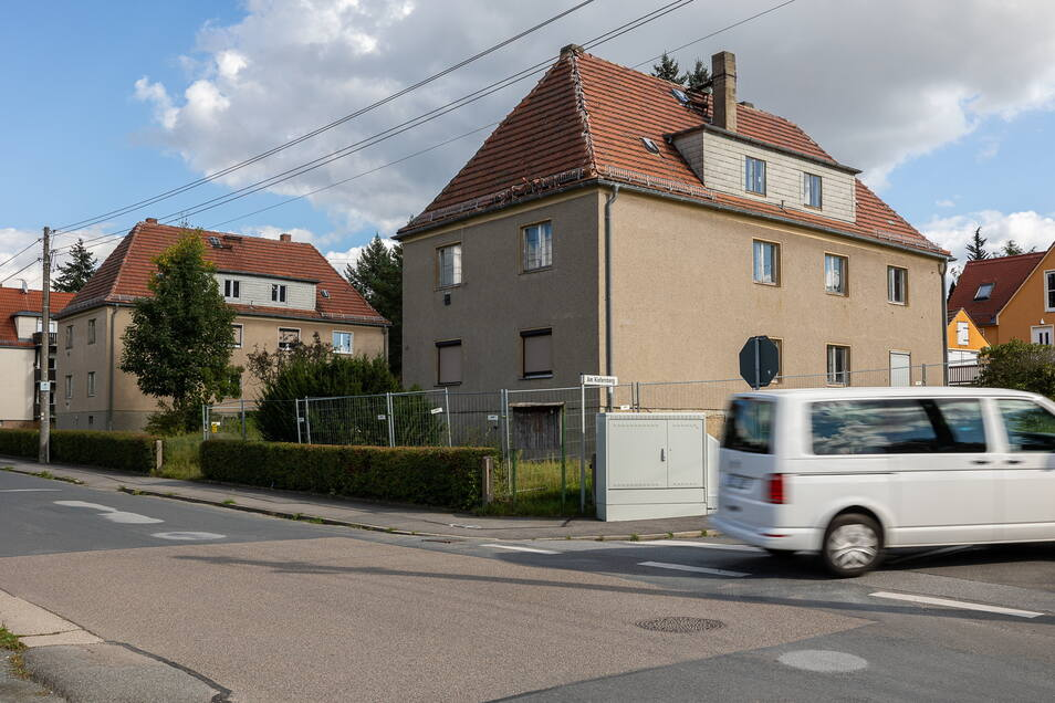 Die Häuser mit den Nummern 24, 26 und 30 auf der Bonnewitzer Straße in Graupa stehen nun komplett leer. Wie geht es hier weiter?