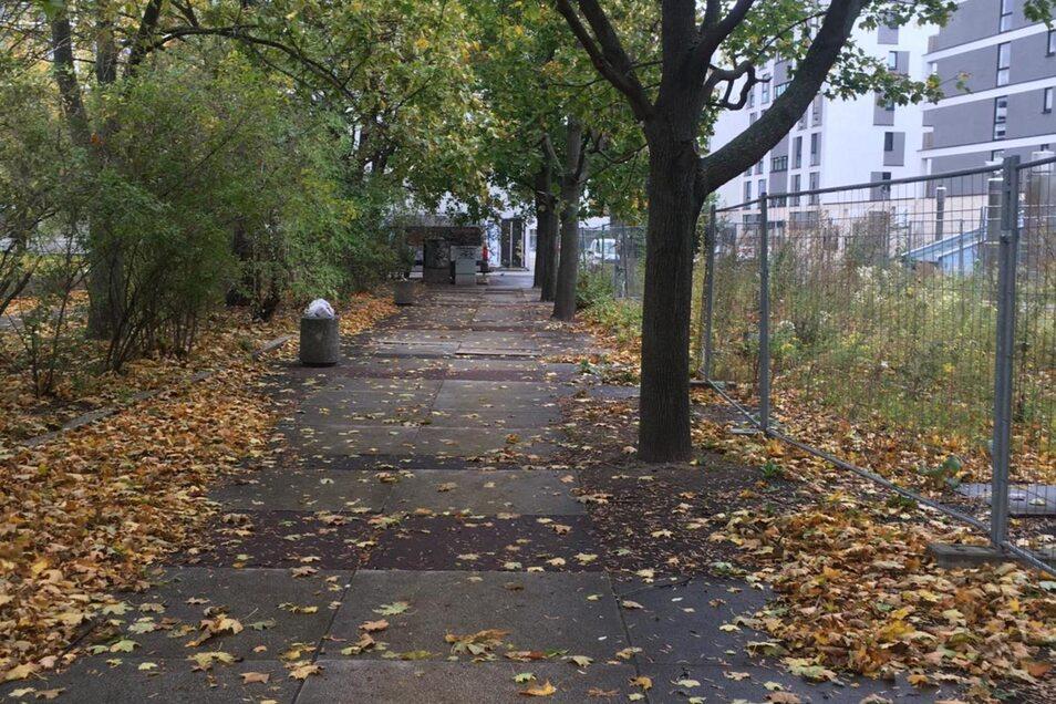 An der Reitbahnstraße wurden die Bänke entfernt.