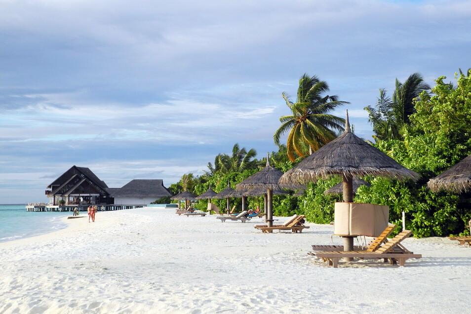 Puderweiße Strände auf den Malediven.