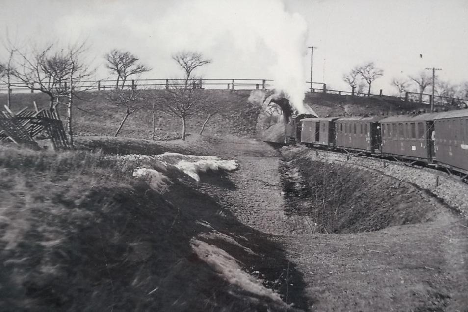 Die historische Bahnbrücke in Kesselsdorf.