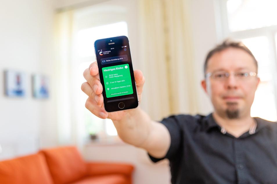 SZ-Redakteur Andreas Rentsch hat die Corona-App ausprobiert.