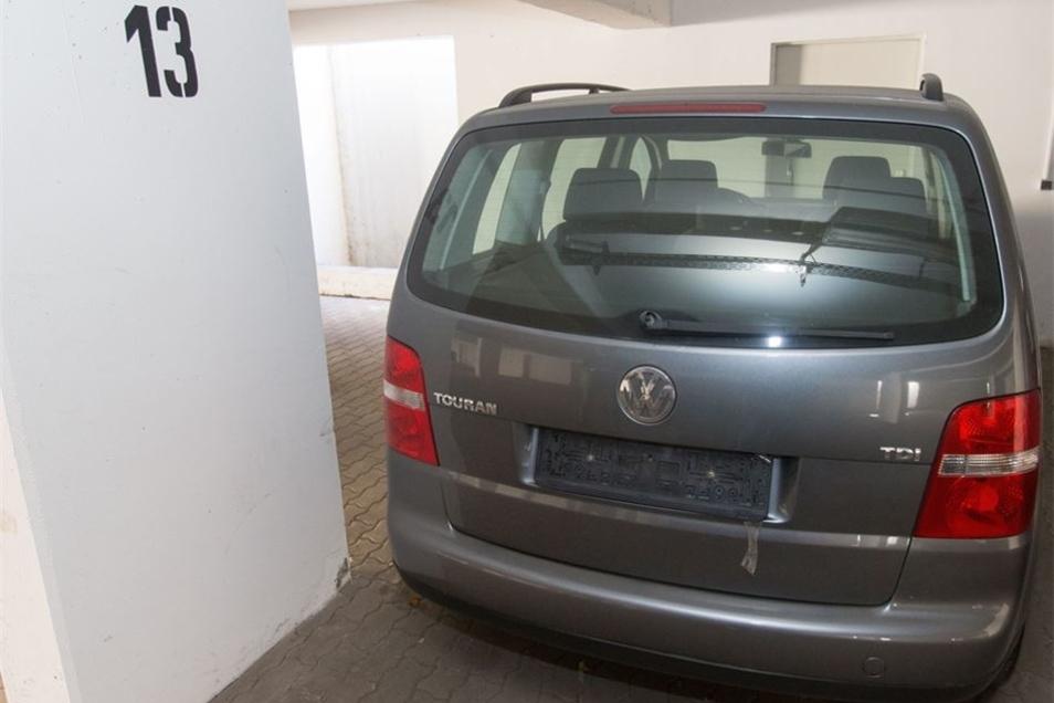 ... nebst Stellplatz für seinen VW Touran. Fotos: Daniel Schäfer