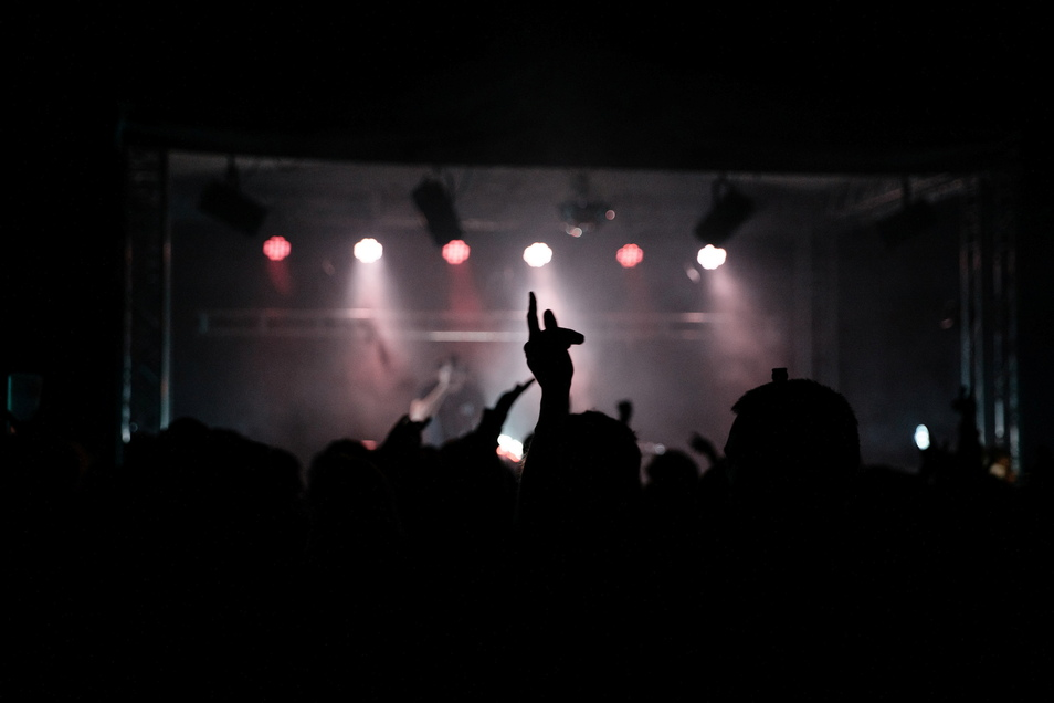 Die Nacht wurde zum Tag gemacht, denn die letzten Bands standen bis zum Morgengrauen auf der Bühne.