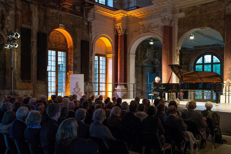Pianist Peter Roesel bei Dresdner Musikfestspiele 2015 im Palais im Grossen Garten .