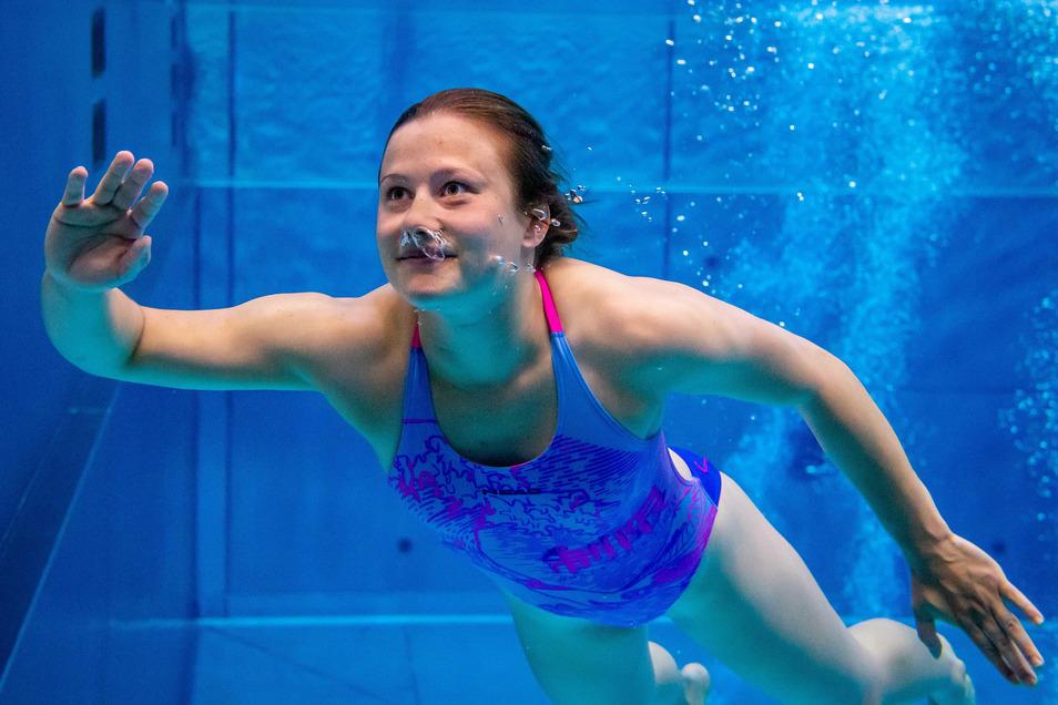 Das Abtauchen gehört zum Wasserspringen, ist für Europameisterin Tina Punzel aber auch in diesen Zeiten keine Option. Sie hofft, im Februar endlich wieder einen Wettkampf zu haben.