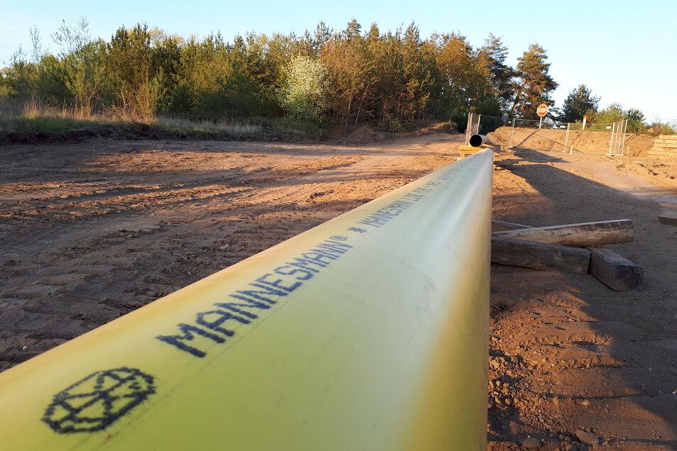 Derzeit verlegt Ontras eine neue Ferngasleitung bei Bobersen. Die Rohre stammen zwar von Mannesmann - aber nicht aus dem Zeithainer Rohrwerk: das produziert andere Durchmesser.