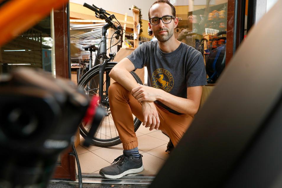 Einbrecher haben am Sonntagmorgen aus Jens Jankowskis Fahrradgeschäft und -verleih im Trixi-Ferienpark sieben hochwertige Räder gestohlen.