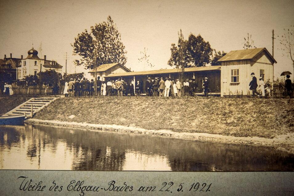 Das Bad wurde auf dem Gelände des einstigen Pfeilschen Teiches angelegt.
