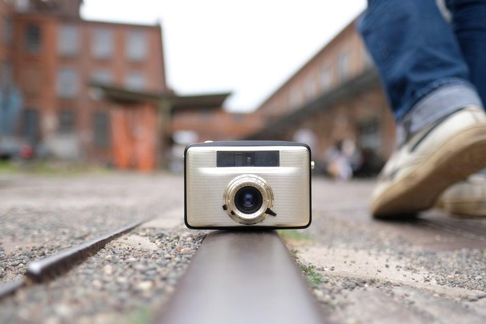 """Selbst alte Fotoapparate bekommen jetzt in der Leipziger Spinnerei eine zweite Chance. Auf dem Areal findet bis Sonntag die neunte Auflage von """"f/stop"""", dem Festival für Fotografie, statt. Zudem laufen etliche Online-Veranstaltungen."""