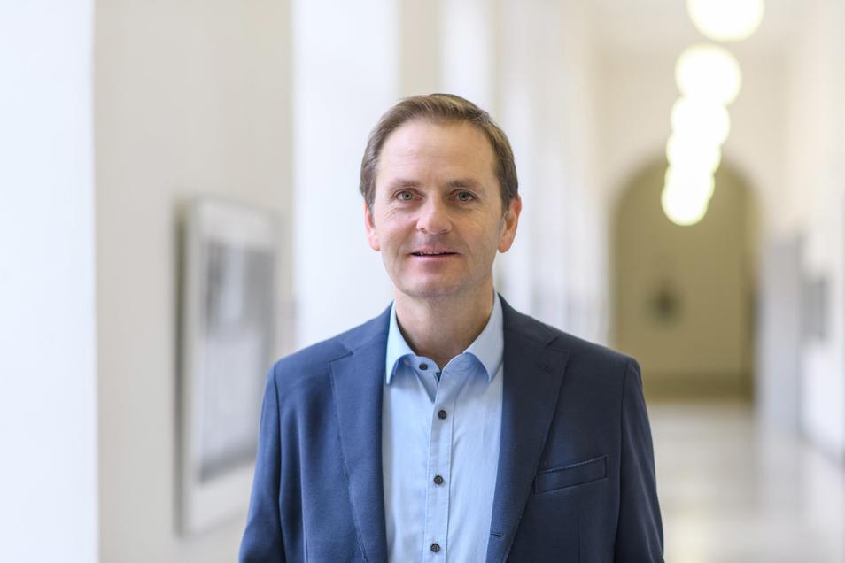 Oliver Dickhäuser ist Professor für Pädagogische Psychologie an der Universität Mannheim.