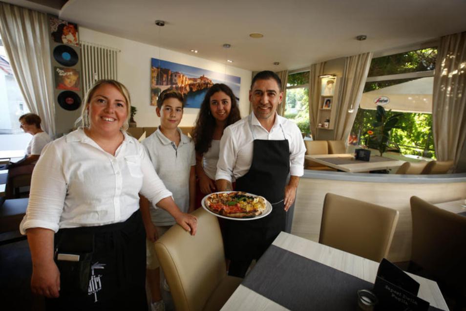 """abrina Turturro und Christian Tocci betreiben seit einem Monat ihr Pizza-Restaurant """"Sapori della Puglia"""". Sie stammt aus Turin, er aus Apulien am südlichen Zipfel von Italien."""