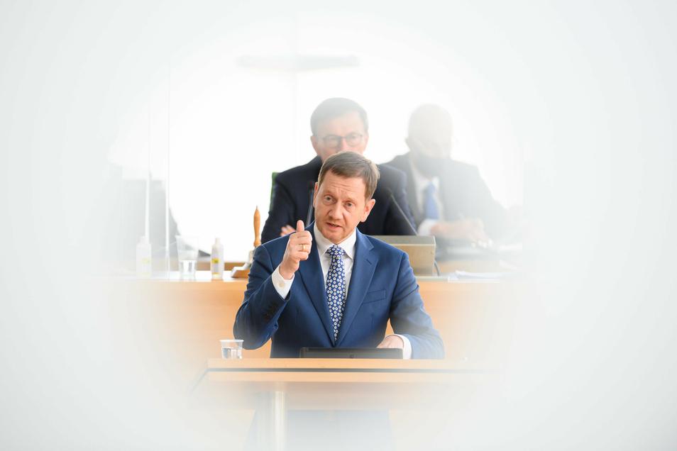 Ministerpräsident Kretschmer bei seiner Regierungserklärung: Im Landtag in Dresden ging es auch um eine stärkere Einbindung des Parlamentes in Corona-Beschlüsse.