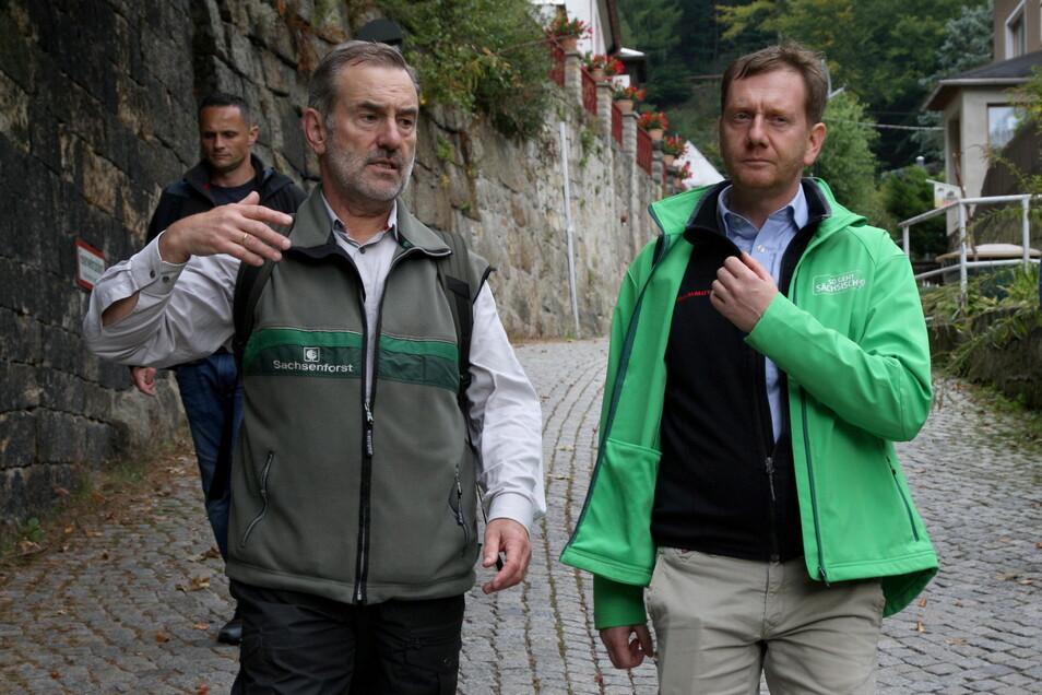 Unlängst war Michael Kretschmer in der Sächsischen Schweiz wandern, an diesem Wochenende in der Oberlausitz. Was er da erlebte, freute ihn nicht nur.