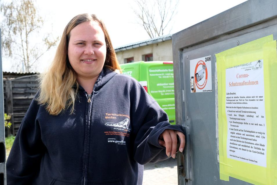 Katrin Aßmann, Leiterin des Meißner Tierheims, möchte verhindern, dass ihre Mitarbeiter erkranken. Deshalb vermittelt das Tierheim nur noch mit Termin.