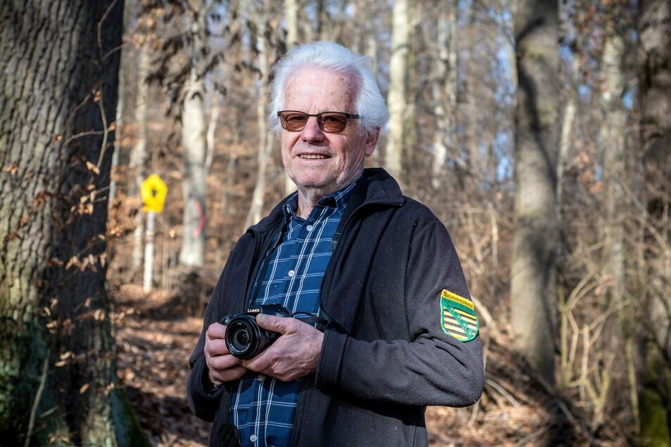 Gleich hinter seinem Garten in der Siedlung Roßweiner Straße beginnt der Wald, den Rolf Müller seit seiner Kindheit kennt. Die Liebe zur Natur begleitet ihn sein ganzes Leben.