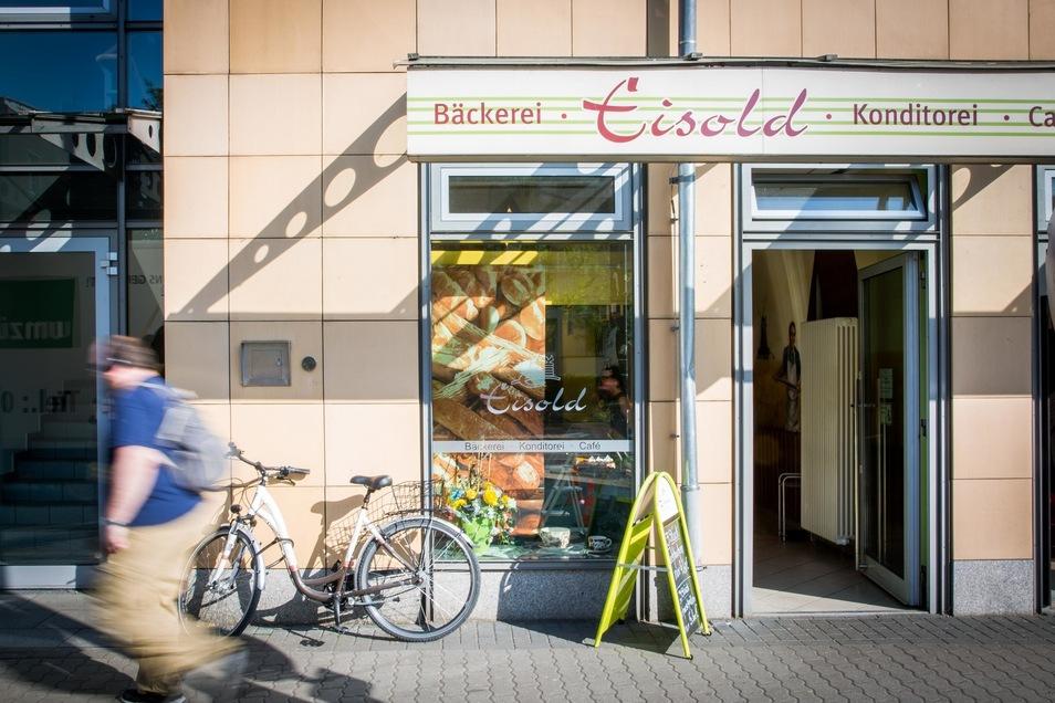 Die Bäckerei Eisold, hier die Filiale in der Zwinglistraße in Dresden, ist in wirtschaftliche Schieflage geraten.
