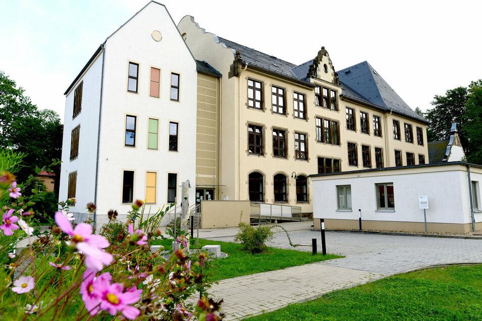 Die Fichte-Grundschule in Neugersdorf wird saniert.