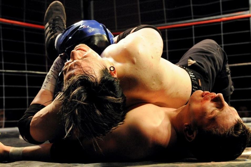"""Die Kämpfer schenkten sich auch am Sonnabend im Freiberger Tivoli nichts. """"Homecoming"""" heißt es am 12. Mai mit Next Step Wrestling in Großenhain."""