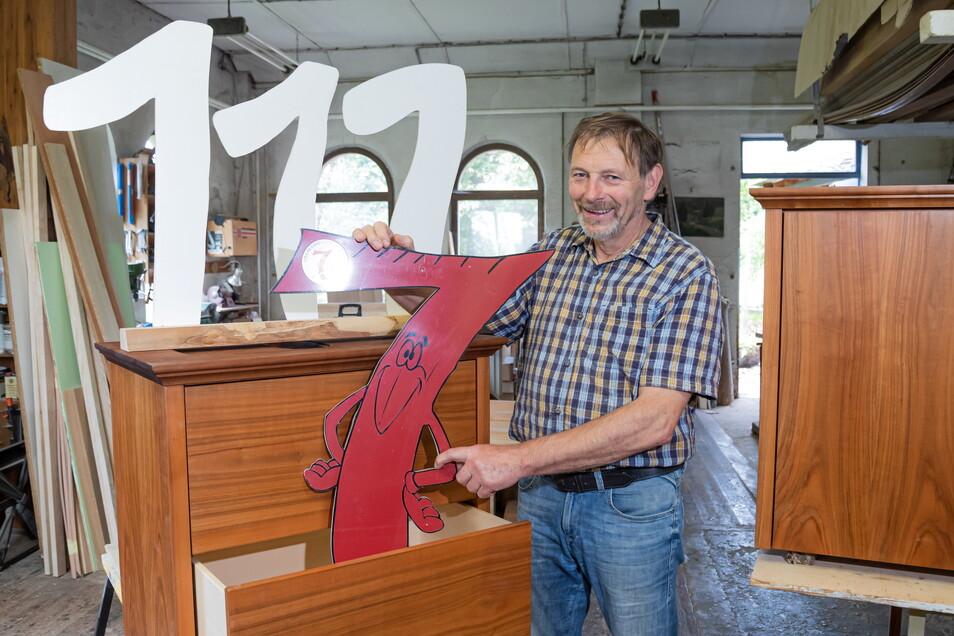 Helfried Siebenhaar führt die Familientischlerei in dritter Generation. Inzwischen ist der Betrieb 111 Jahre alt.