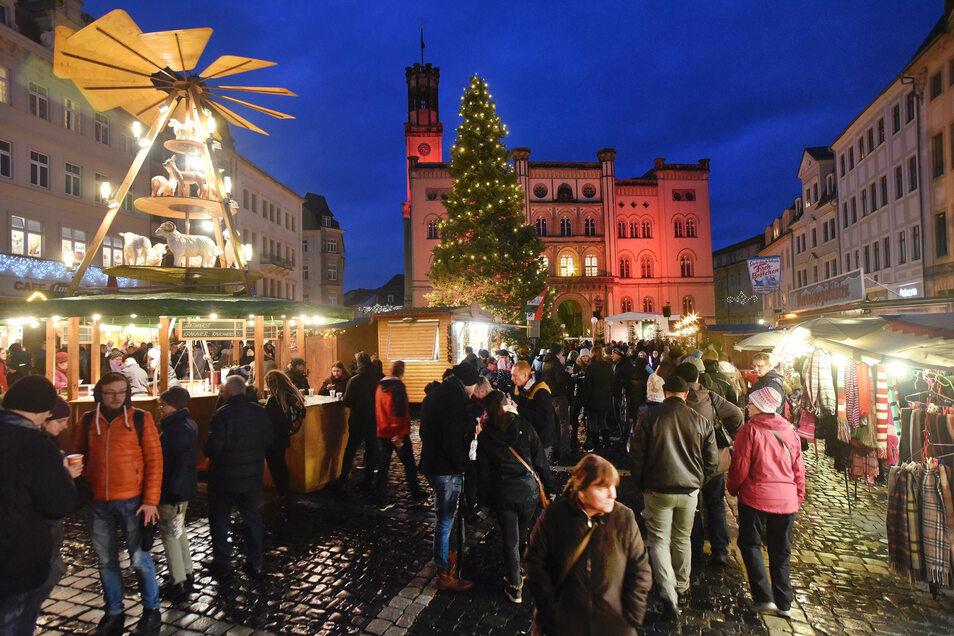 In der Vorweihnachtszeit öffnen die Zittauer Geschäfte traditionell länger. Das soll auch dieses Jahr wieder so sein.