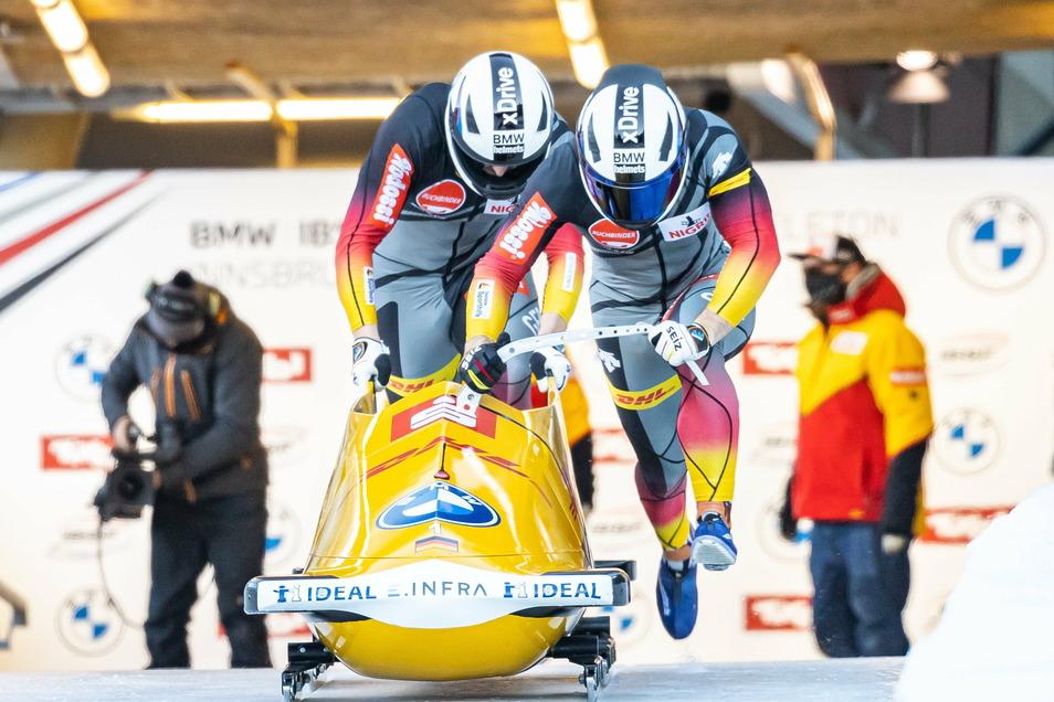 Francesco Friedrich und Alexander Schüller beim ersten Lauf in Innsbruck.