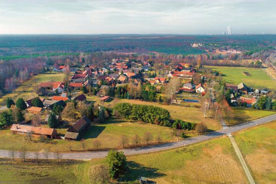 So sah Mühlrose noch vor anderthalb Jahren aus. Nun soll das Dorf dem Braunkohletagebau Nochten weichen.