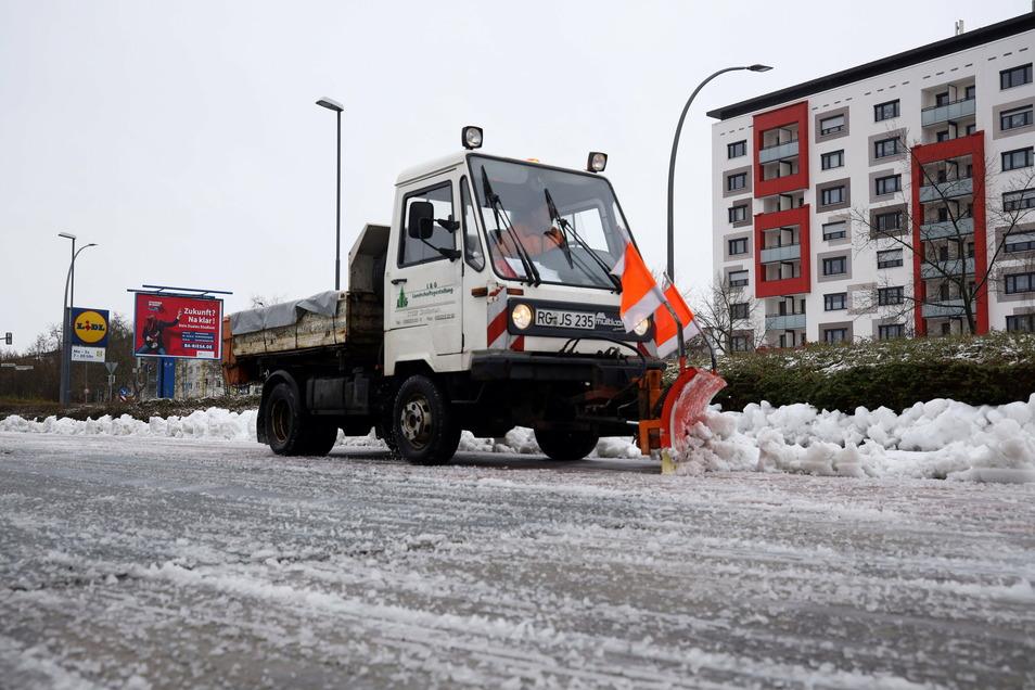 Auch private Flächen, wie der Lidl-Parkplatz in Weida, müssen geräumt werden. Dort ist aber nicht die AGV zuständig.