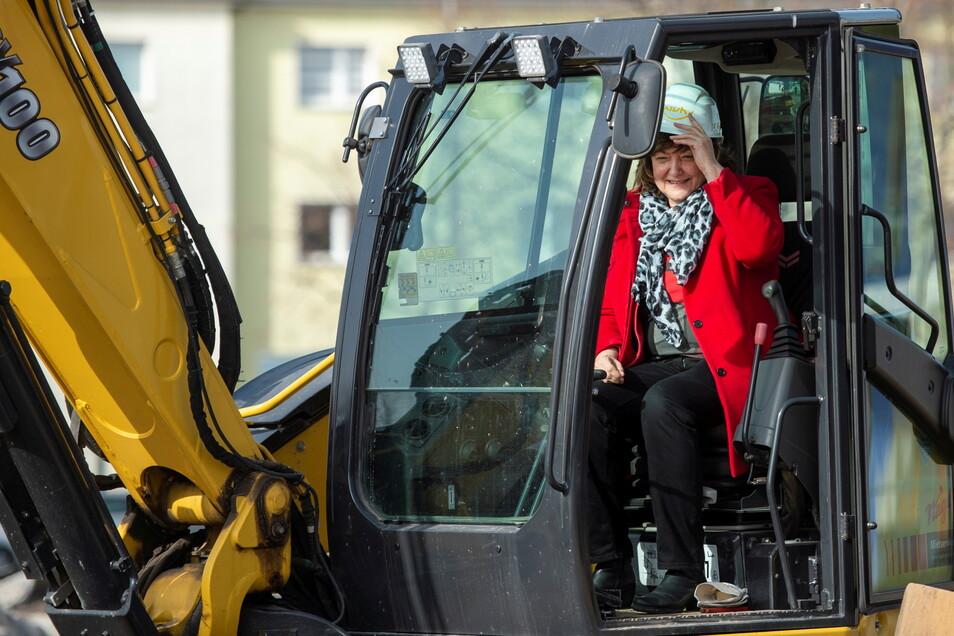Heidenaus Wohn-Chefin Sonnhild Ruffani beim Start eines Bauprojektes. Seit Längerem gibt es immer öfter kritische Nachfragen im Stadtrat.