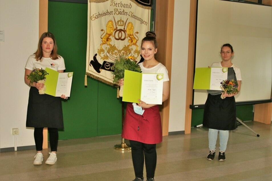 Die drei Bestplatzierten Fachverkäuferinnen aus Sachsen – Vanessa Heidrich, Monique Trappiel und Sophie Steffen (v.l.n.r.)