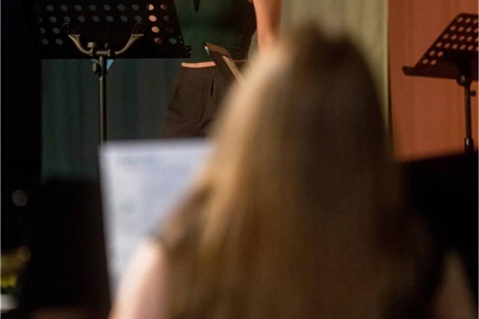 Hier sang Lisa Preißler im Konzert des Glückauf-Gymnasiums, das ein Beitrag der Schule zum Stadtjubiläum war.