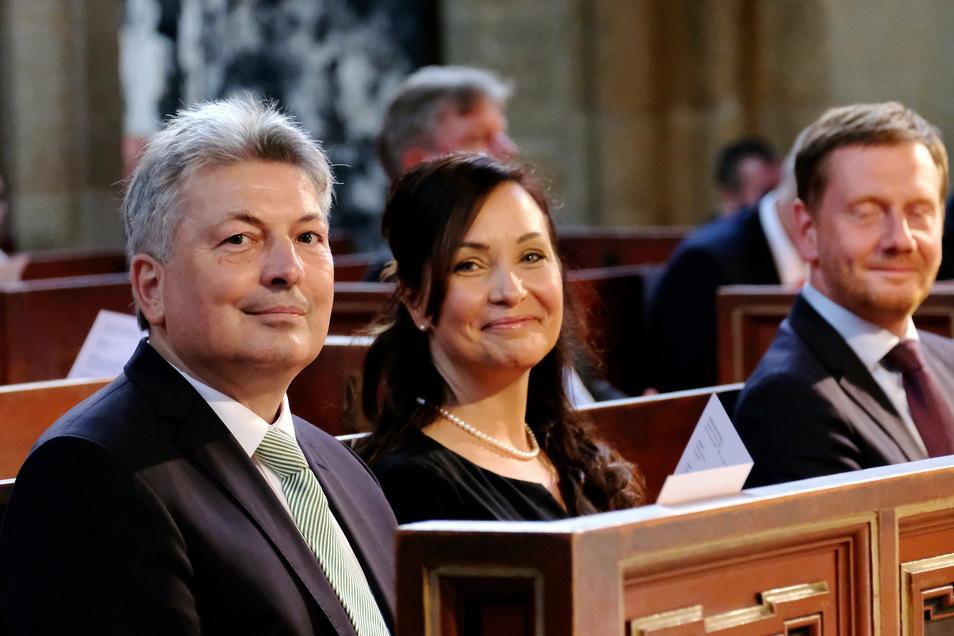 Jetzt außer Dienst: Landrat Arndt Steinbach mit Sandra Bahn und Ministerpräsidenten Michael Kretschmer zur Abschiedsfeier im Meißner Dom.
