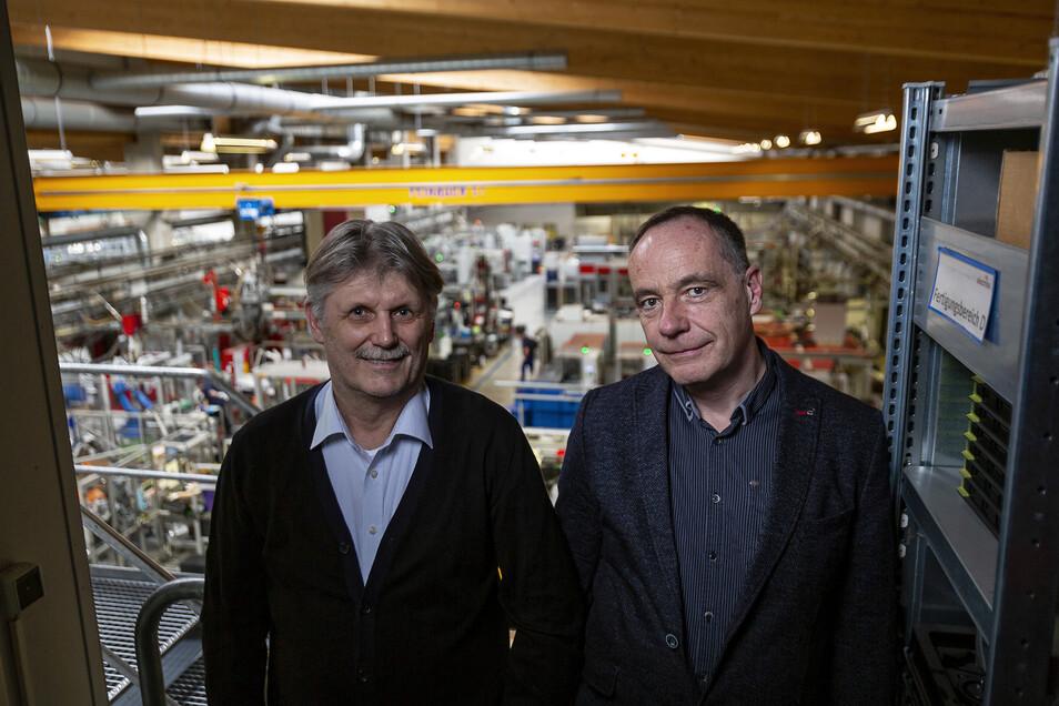 Herbert Bender und Walte Gebert sind für die Geschicke der Selectrona GmbH in Dippoldiswalde verantwortlich.