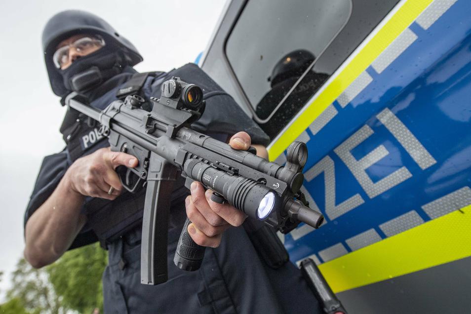 Eine Maschinenpistole wie diese hatte der Polizei nach einem Einsatz an einer Tankstelle vergessen.
