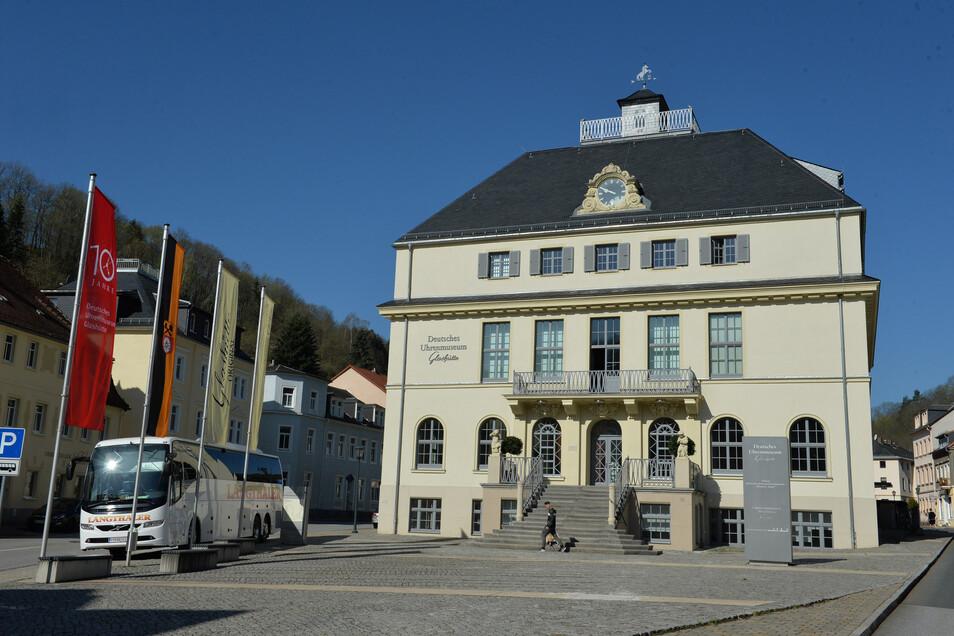 Das Uhrenmuseum bietet wieder Gruppenführungen durch die Ausstellungsräume an.