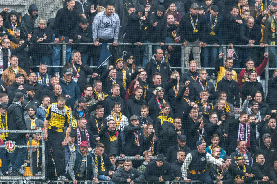 Dynamos Fans im K-Block waren nach der 0:2-Niederlage gegen Hannover am vergangenen Samstag wütend.