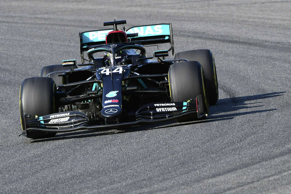 Hielt sich in Mugello aus jedem Chaos raus und verteidigte problemlos die WM-Führung: Mercedes-Pilot Lewis Hamilton.