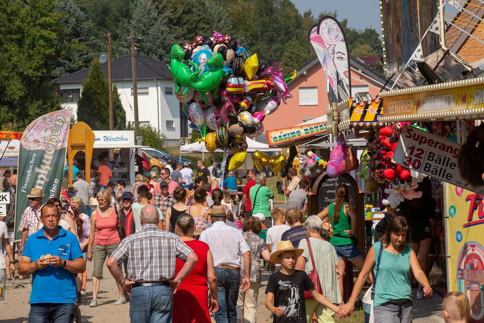 Der traditionelle Dittersbacher Jahrmarkt ist über die Grenzen Sachsens hinaus bekannt.
