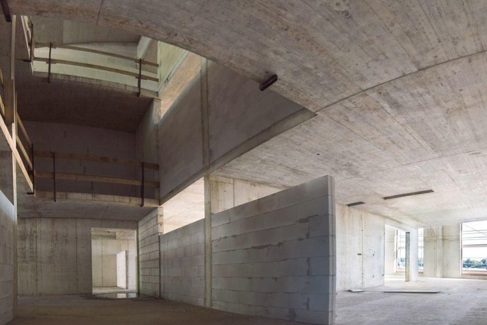 Noch wirken die Betonwände und Decken sehr karg. Die Raumaufteilung in der Saloppe lässt sich aber schon erahnen.