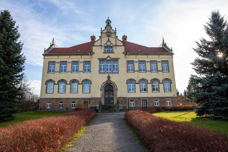 Hier im alten Gebäude der evangelischen Grundschule Hohwald könnte die neue evangelische Oberschule entstehen.