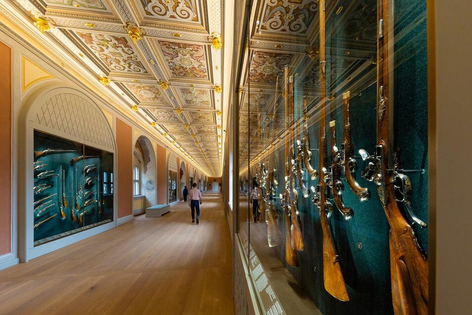 So prächtig ist die Gewehrgalerie vom Langen Gang des Dresdner Residenzschlosses.