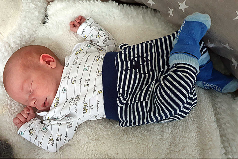 Liam, geboren am 30. Juni, Geburtsort: Kamenz, Gewicht: 3.320 Gramm, Größe: 49 Zentimeter, Eltern: Elisa und Steven Wolf, Wohnort: Pulsnitz