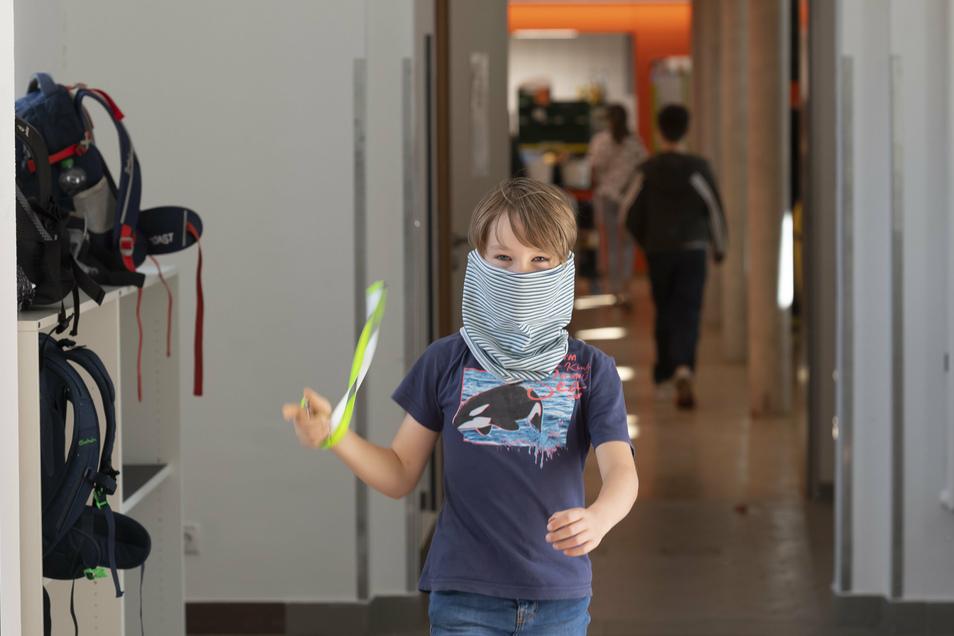 Ob Schüler eine Maske tragen müssen, entscheidet in Sachsen jede Schule selbst.