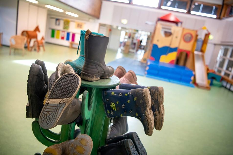 Die Dresdner Kitas öffnen am Montag im eingeschränkten Regelbetrieb. Das bedeutet eine gewisse Umstellung für Eltern und Kinder.