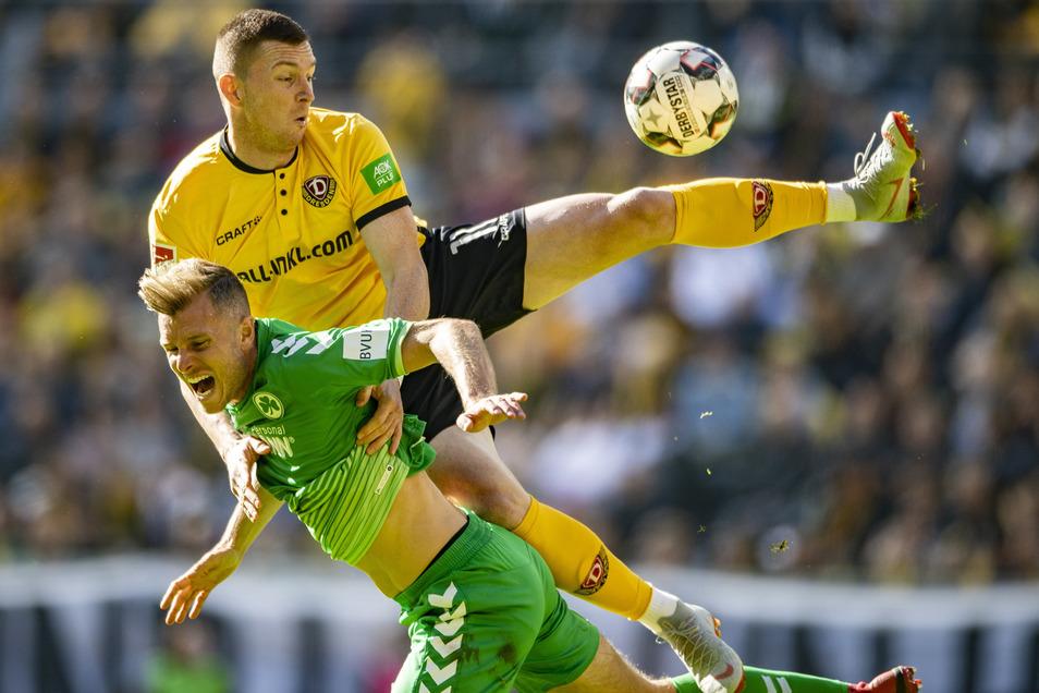 Dynamos Haris Duljevic hat im Hinspiel gegen Fürths Richard Magyar gespielt.  Die Dresdner hatten jedoch 0:1 verloren.