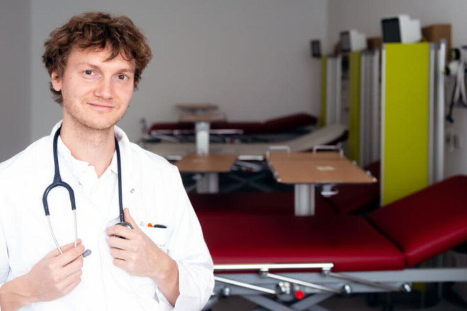 Sechs Patienten finden auf den Liegen in der neuen Beobachtungsstation im Bautzener Krankenhaus Platz. Mit der Umstrukturierung kam auch ein neuer Arzt: Dr. med. Christoph Reichelt ist der neue Leiter der Zentralen Notaufnahme.