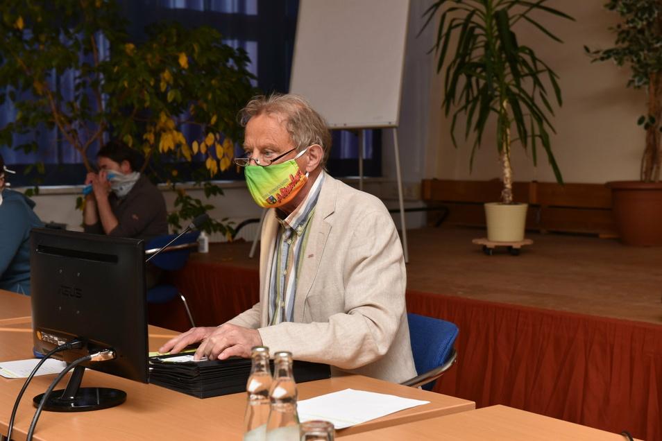 Bürgermeister Thomas Kirsten lädt normalerweise zur Stadtratssitzung in den Europark Altenberg. Heute werden die Stadträte nicht beschlussfähig sein, weil zu viele abgesagt haben.