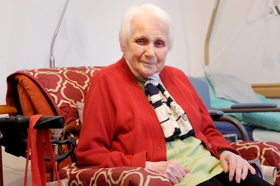 Ilse Brandt war eine der ersten, die in den Katharinenhof eingezogen ist. Kein Wunder, sie hat hier schon einmal gearbeitet, und zwar als Pflegerin in der DDR.