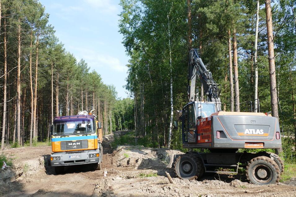 """Noch rollen die Baufahrzeuge auf dem Gelände des ehemaligen Altbergbaugebiets """"Babina"""""""